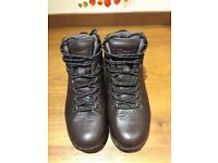 Berghaus Women's Leather Walking Boots size 6 1/2 (40) worn only once