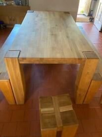 Excellent condition kitchen table, 2 long benches and stools