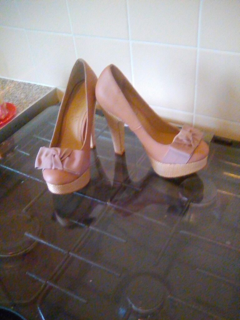 """Womens shoes size.4in SwanseaGumtree - Womens size 4 shoes. (BIEGE). Worn Once. From """"SHOE BOX"""". Cost £27.99. PICK UP ONLY"""