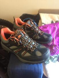 Trespass Benjamin Shoes Size 9 (EU43)
