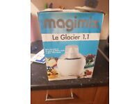Icecream maker / frozen jogurt