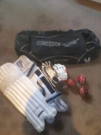 Boys cricket pads, gloves and bag. Used but good condition