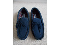 Mens brand new slippers size 12