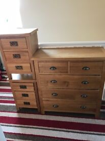 Wood drawers and bedside tables
