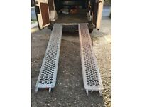 RECOVERY CAR RAMPS /TRAILER RAMPS 8FT