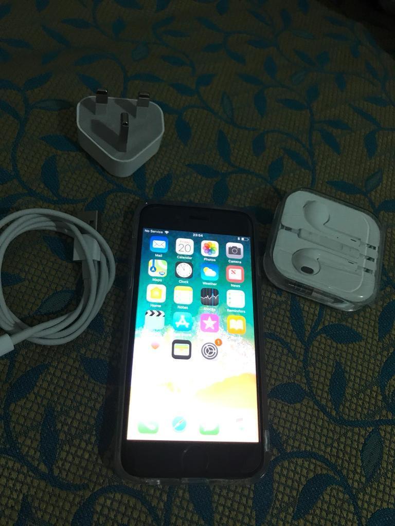 Apple iPhone 6 black 16gb Unlocked Mint Condition