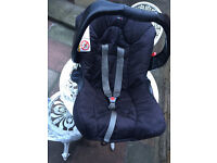 Graco Junior Car Seat 0 - 12mnths in good condition