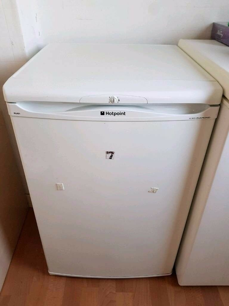 Hotpoint undercounter fridge