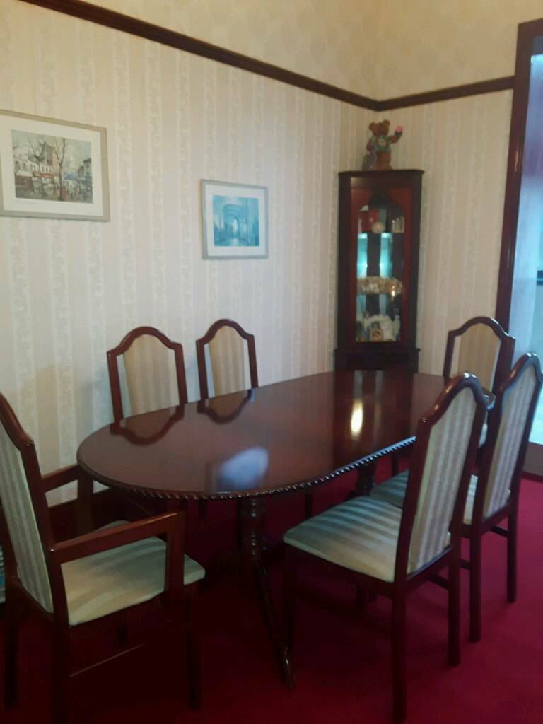 Dining Table 6 Chairs Including 2 Carver