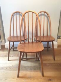 Set of 3 Windsor style chairs