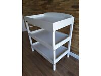 White East Coast Clara changing table/station