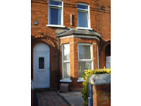 Room to let in house with 4 other professional females. Ormo/Univ area. 240pm includes electric/wifi