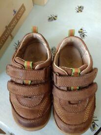 Start rite Super Soft Leo shoes (size 5.5 H)