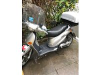 piaggo 125 very good run mot+ road tax