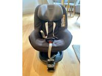 Maxi Cosi 2 Way Pearl i-Size Group 1 Car Seat with Isofix Base