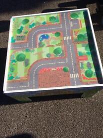 Unisex happyland table