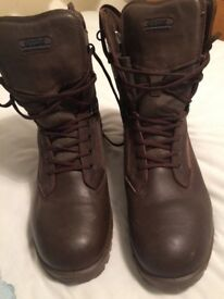 Yds kestrel patrol boots size 12