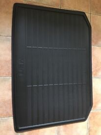 Genuine Skoda Yeti Double-sided Rubber/textile boot mat - as new from new shape Yeti