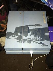Ps4 limited edition 1tb with box and all leads