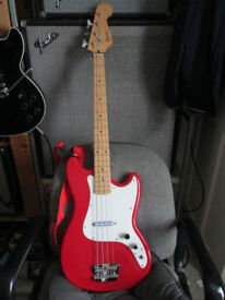 Squier by Fender Bronco bass, short scale Electric bass, dualrail Pickup, original included