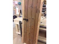 CARPENTER MADE TO MEASURE WARDROBE KITCHEN