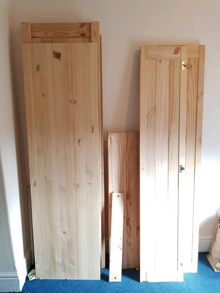Large pine wood pieces