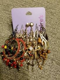 Bundle of 11 pairs of earrings