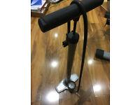 Blackburn upright cycle pump with pressure gauge