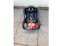 Graco car seat base/craddle
