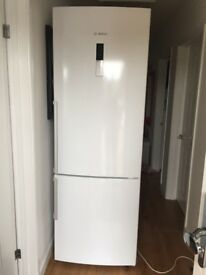 BOSCH Fridge/Freezer. White 2 Years old