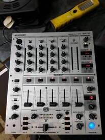 Behringer djx 700 pro mixer