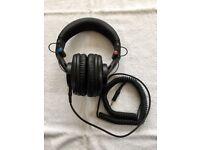 Shure SRH840 Professional Studio Quality Headband Headphones (Black)