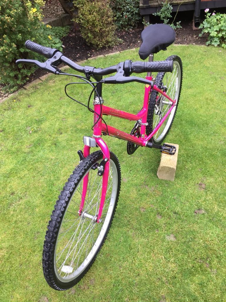 Ladies/ girls mountain bike