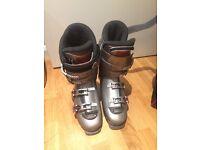 Ski boots Lowa