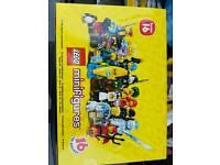 Lego minifigures series 16 sealed case