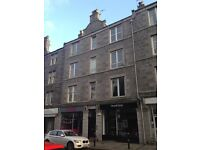 FULLY REFURBISHED 1 BEDROOM FLAT WITH DESIRABLE ROSEMOUNT ADDRESS