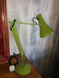 FABULOUS VINTAGE RETRO INDUSTRIAL ORIGINAL HERBERT TERRY ANGLEPOISE DESK LAMP IN LIME GREEN