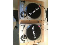Gemini PT 2000 turntable pair with shure m44g stylus, cartidges, slipmats and deck covers