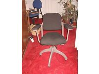 """computer"" chair, swivel, black padded seat, back and arms, 4 legs. FREE"