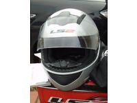 Motorcycle Helmet - incl. bag & original box. LS2 Model: FF350 XL.