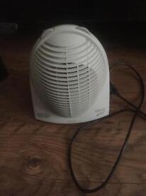 SOLD Delonghi 2400 Watts fan heater