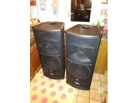 Mackie SR1530 - Active Speakers