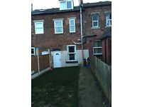 ***MODERN & CONVENIENTLY LOCATED 3 BEDROOM HOUSE-MEADOWHALL***