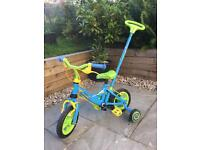 Kids bike with stabilisers and steering handle