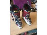 Salomon Skiing Boots size 27