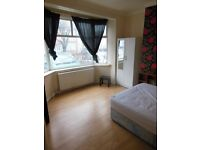 Double room with Superb transport links