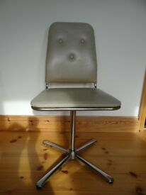 Vintage original Retro 1970's swivel chairs by peak Furniture Set of 4