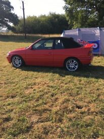 Escort 1.8 si convertible 1993 real head turner