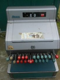 2x Gross vintage tills for prop only not working, £10 each