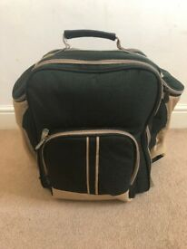 Deluxe Picnic Backpack Hamper for 4 people Brand New